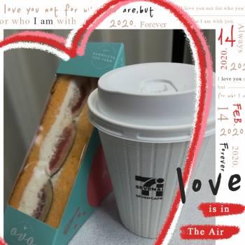 無花果サンドとコーヒー♪(2020/10/23 11:05)麻生 あかねのブログ画像